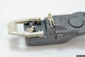 4 - Pilots and cockpit detail